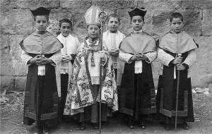 chierichetti vescovo e canonici